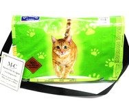 Messenger Bolsa - Green Cat - Hill Country Fare 4 Flavor Morsels