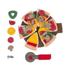 Papoose Felt Pizza and Server, a 44 Piece Set