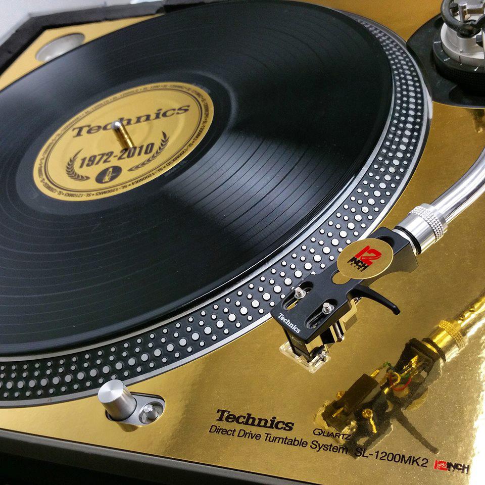 technics-generations-gold-2.jpg
