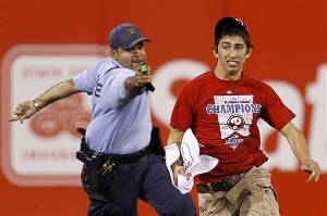 phillies-baseball-taser.jpg