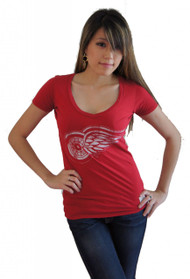 Vintage NHL Detroit Red Wings Ladies Deep V-Neck T-Shirt in Red