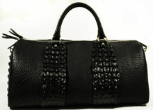 Aino - Duffel Bag in American Bison & Crocodile Backstraps - Black