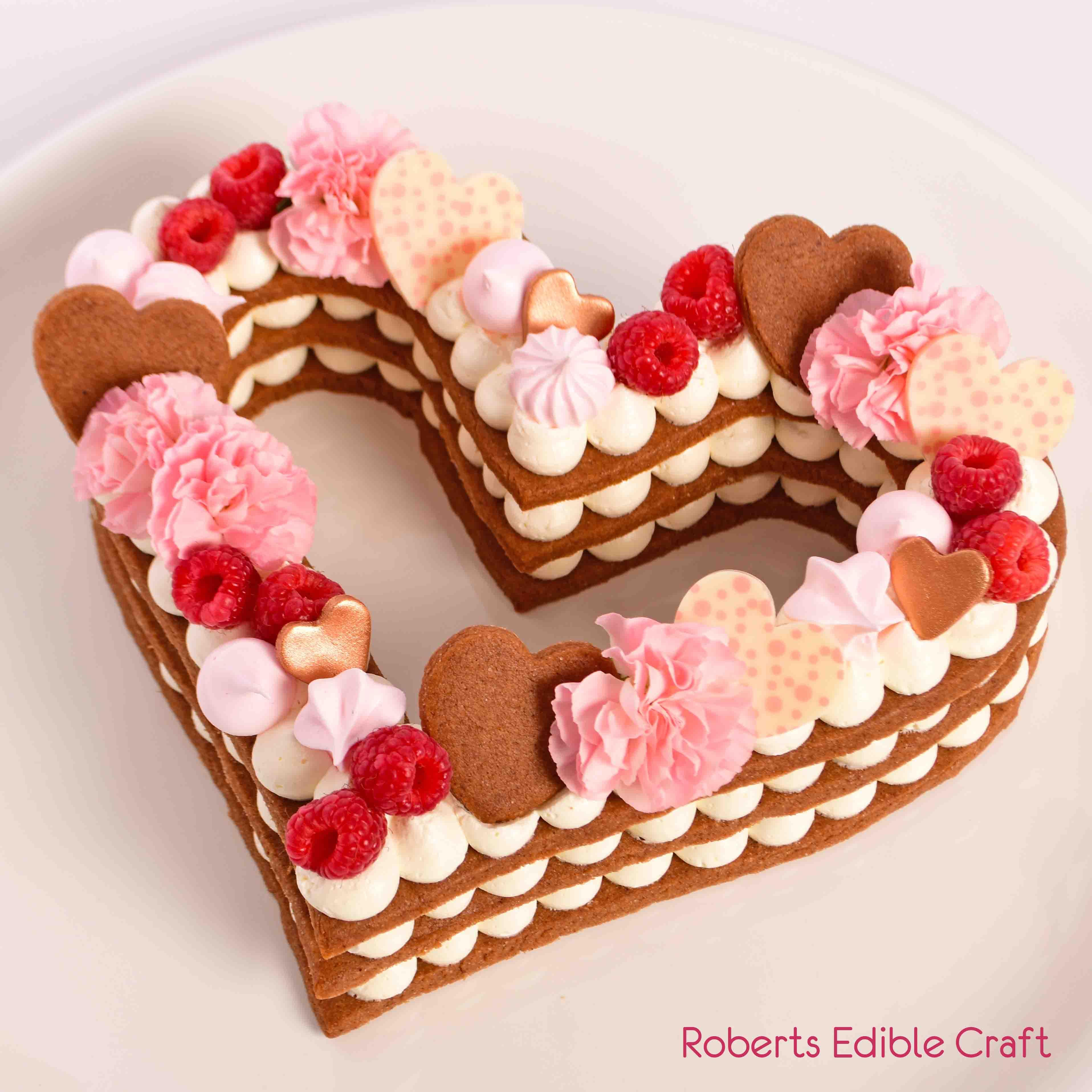 Roberts Edible Craft valentine-heart-biscuit-cake-069.jpg