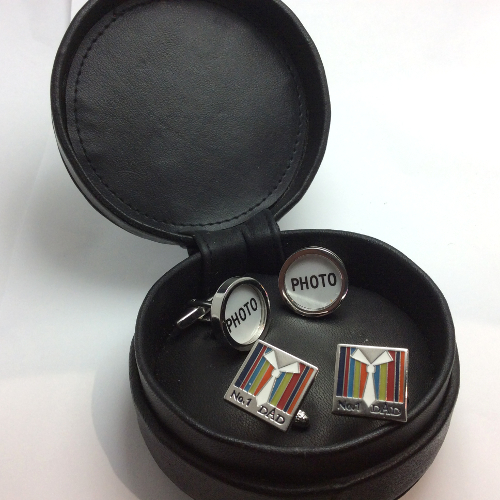 Personalise your present for your Dad with this fabulous 2 pair cufflinks gift