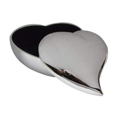 Swirl heart shaped jewel / cufflink case with black velveteen lining Excellent for Ladies as well as men!