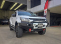 Uneek 4x4 Crawler bull bar in all black with Colour coded fascia panels
