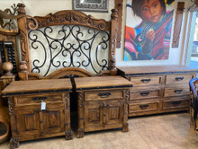 Andrade Carved Queen 4pc Bedroom Set ** SALE 30% OFF, 1 SET LEFT AT THIS PRICE