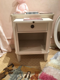 FLOOR SAMPLE Princess Nightstand