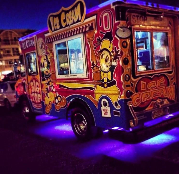 ice cream truck lighting