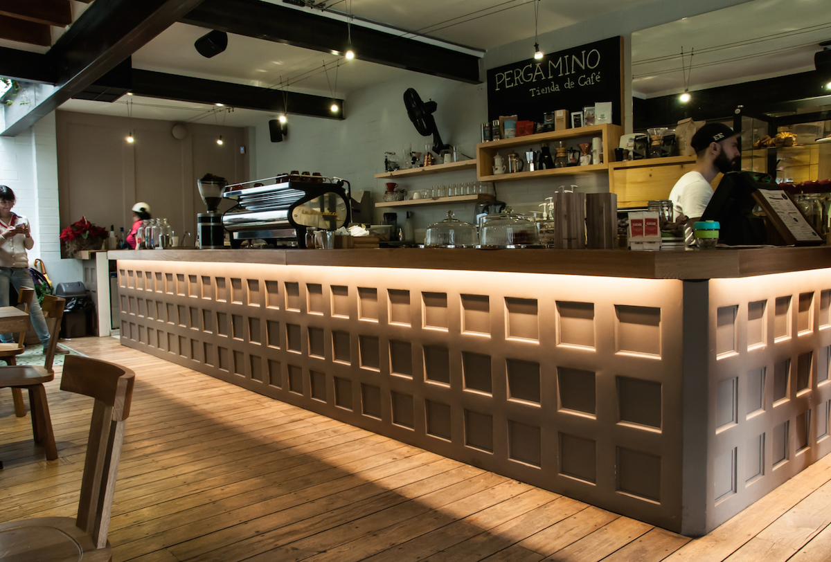 pergamino coffee shop under counter lighting 02