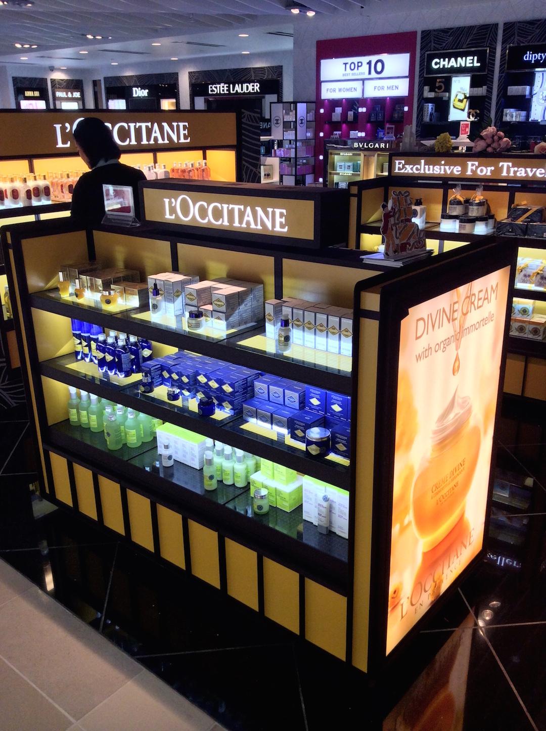 product kiosk lighting display 08