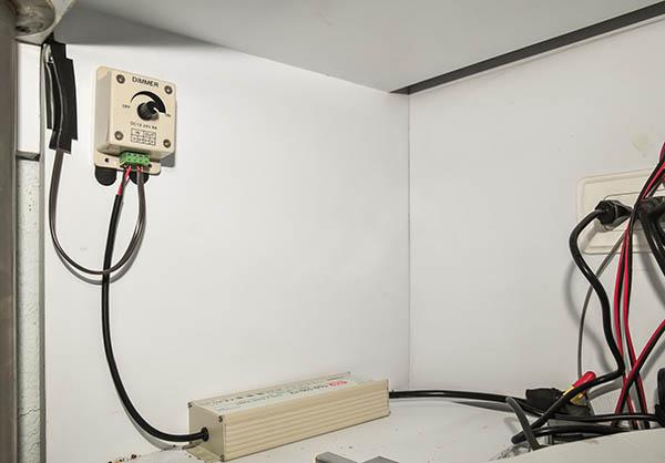 in strip plug Installing