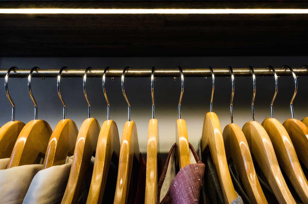 LED strips retail store shelving lighting 04