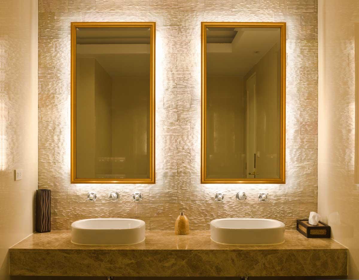 Modern linear lighting in bathroom