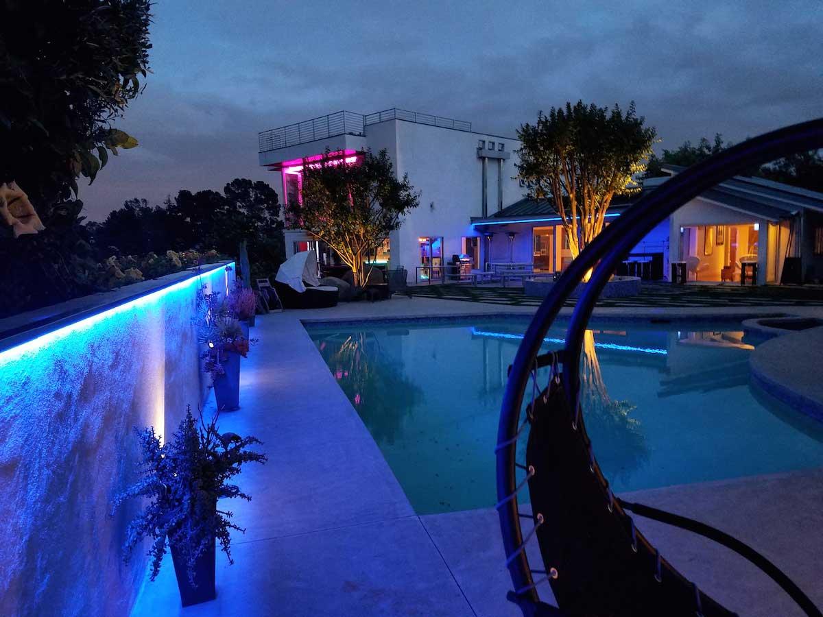 poolside backyard accent lighting