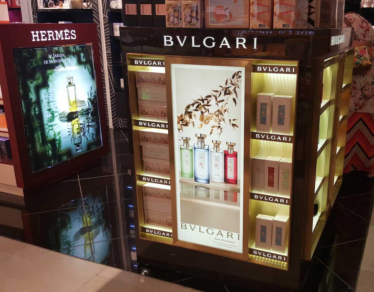 product kiosk lighting display 02