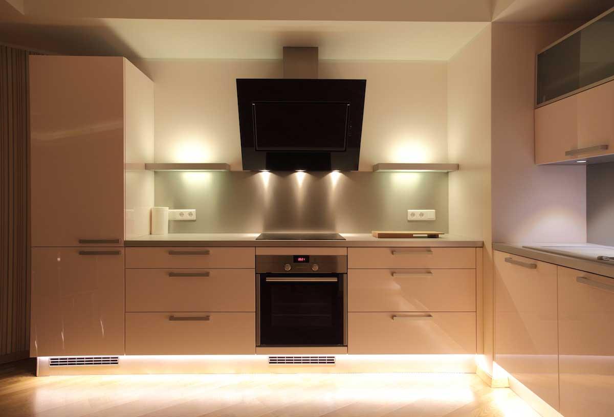 toe kit kitchen accent lighting