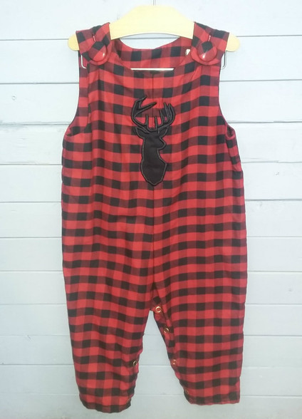 This jon jon is made out of red and black buffalo plaid. It has a very neat look to it. Topped off with a deer head applique, this is a perfect fall outfit. It can be worn on many different occasion and it is just adorable!