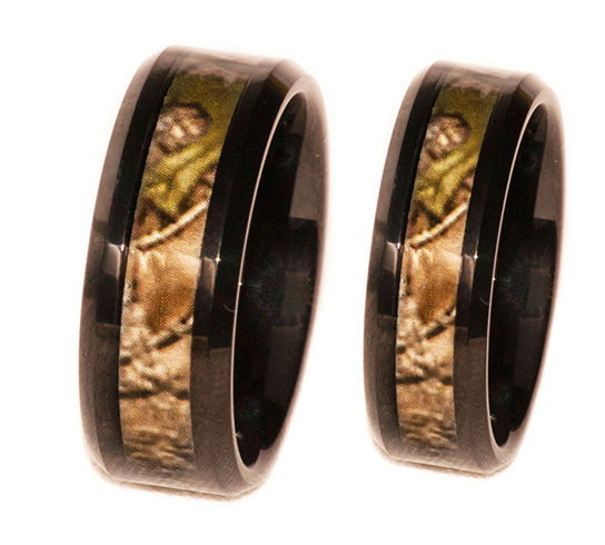 His and Hers Set in Black Tungsten Band And Outdoors Hunting Pattern