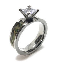 Women's Camouflage Wedding Engagement Ring with Stone