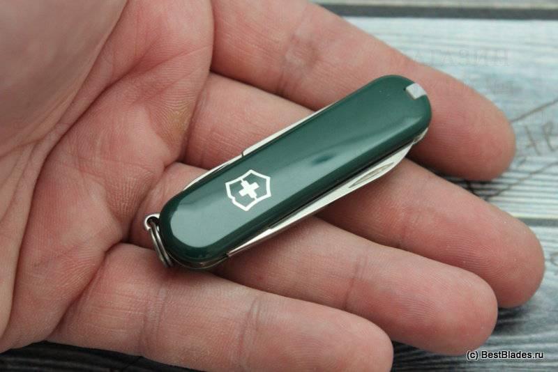 Dao đa năng Victorinox Classic Green