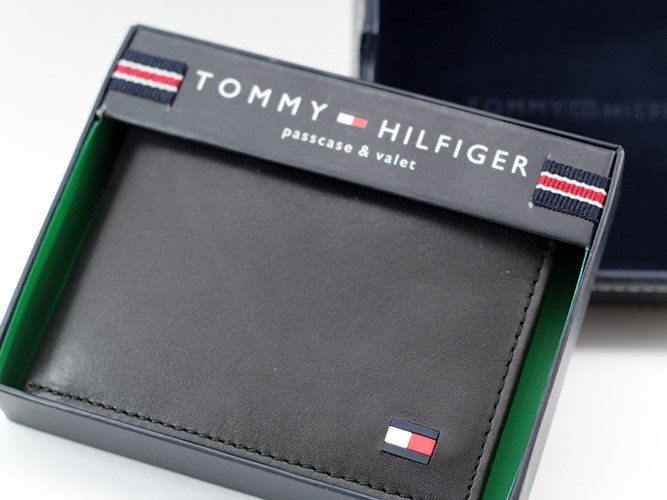 Ví namTommy Hilfiger Men's Leather Dore Passcase Billfold Wallet, Black