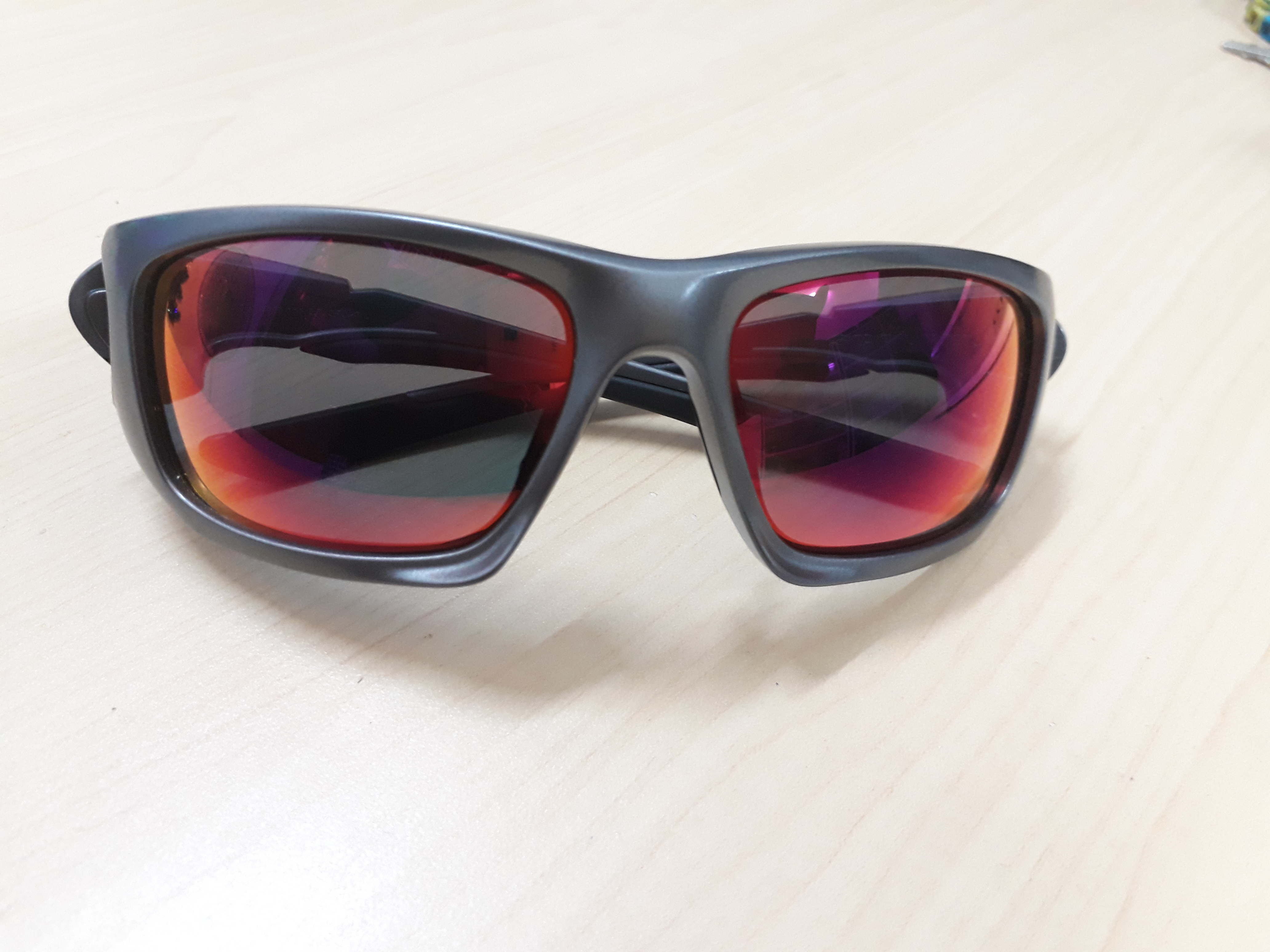 Kính mát Oakley Scalpel Dark Grey with Positive Red Iridium 009095-04