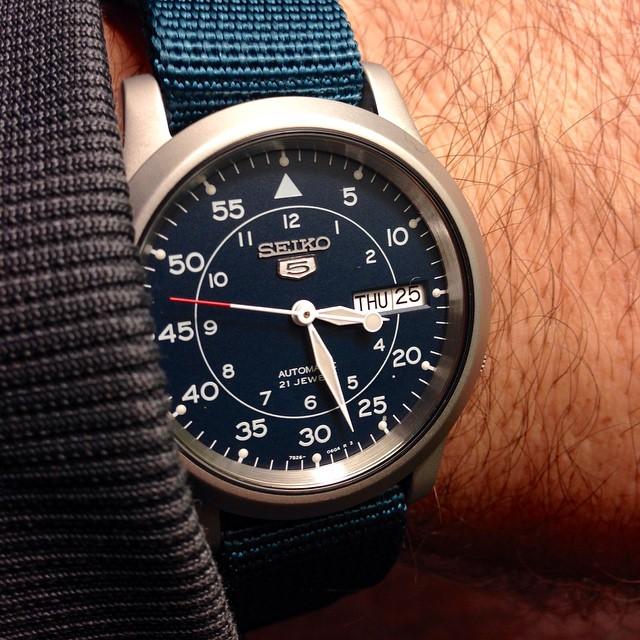 Đồng hồ Seiko SNK807