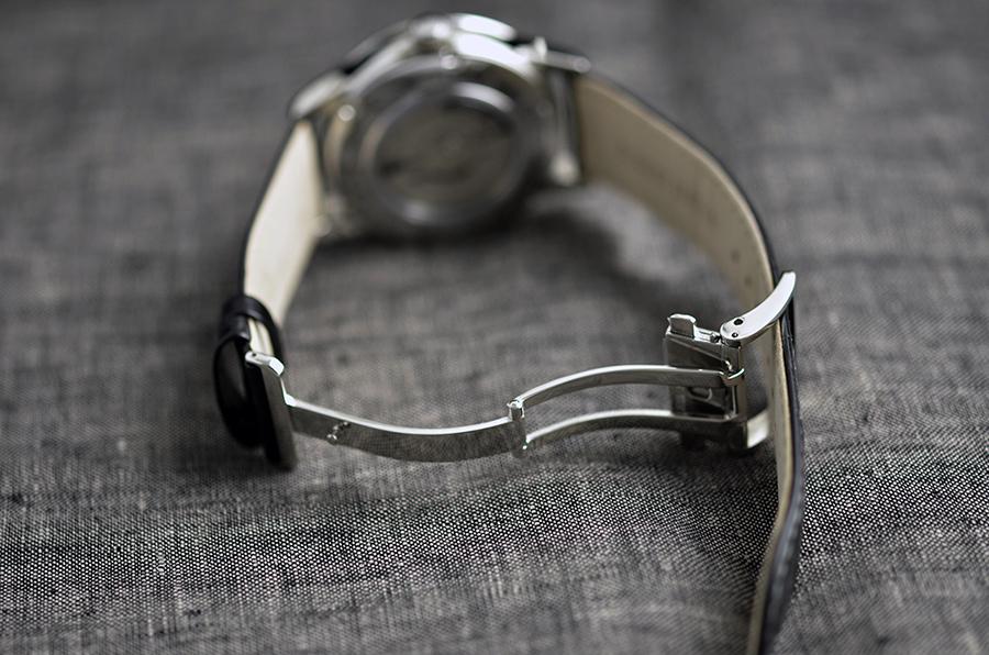 Dây đeo thiết kế bằng khóa kim loại thời trang