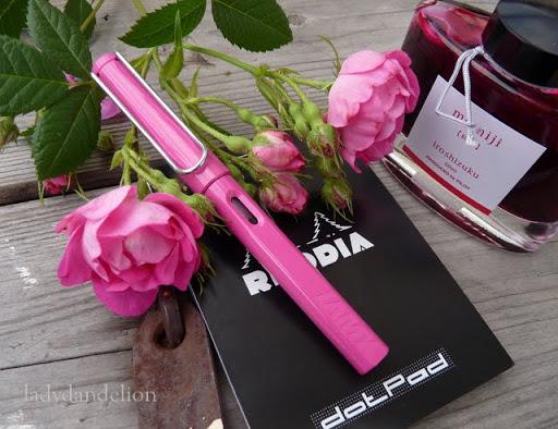 Bút lamy safari màu hồng