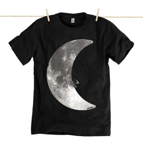 Kahuna Mens T-Shirt Moonlight Surf Design in Black.