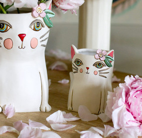 baby pretty kitty planter / pen holder