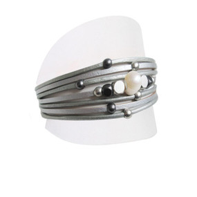 leather and pearl clasp bracelet, grey
