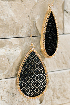 fligree pattern earrings black