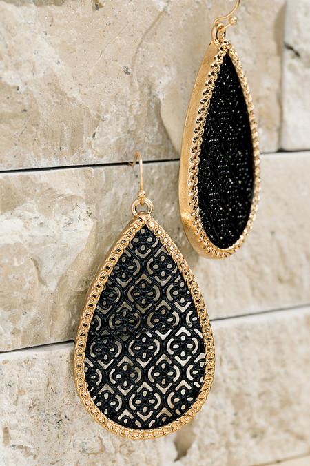 fligree pattern earrings black