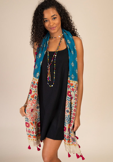 Scarf, sayulita, cerulean moss, lightweight, trimmed in tassels Composition: 100% viscose Dimensions: 80in L x 20in W