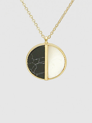 natural stone round pendant necklace, black