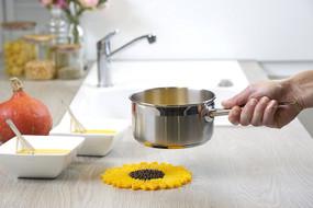 """sunflower 6"""" trivet"""