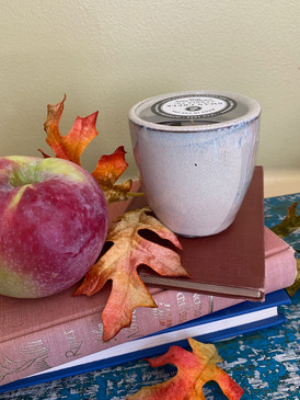 small bell vase candle 4 oz., cranberry apple