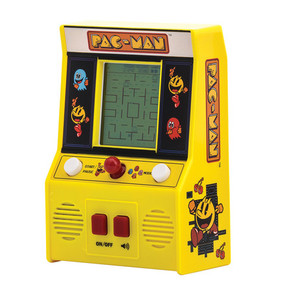 pac man retro arcade game