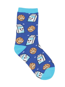 Is there any better pairing than cookies and milk? Other than these socks, we can't think of anything! These socks are sure to make your kid feel like they get to eat cookies all day long. Ages 4-7.