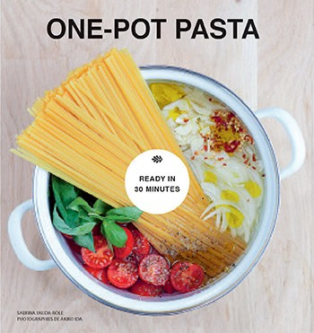 Over 30 delicious dishes that cook in one pot in under 30 minutes. Quick to cook, nutritious, and filling, there is often nothing more satisfying than a bowl of pasta. In One-Pot Pasta, Sabrina Fauda-Rôle takes it to new heights as she shares all her favorite ways to cook a delicious mid-week meal at record speed! With a stylish design and chapters covering Meat, Seafood, Vegetarian and Cheese, Sabrina cooks up fresh, fun, and easy recipes, from a classic spaghetti with meatballs to interesting flavor combinations such as pasta with curried carrots and sesame seeds. Sabrina's magic method works with a wide variety of pasta types and shapes. All the ingredients go into one pot, which cooks over a medium heat for 15 minutes. After resting off the heat for 5 minutes, all the dishes are ready to top and serve. One-Pot Pasta shows that even after a long day at work anyone can prepare a hearty, healthy, and delicious supper in under half an hour.