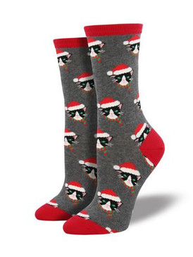 Can you tell the difference between the real Santa and the Santa cats? We certainly can't! These cats have a brilliant Christmas disguise. Our Santa Cat socks are sure to complement your festive holiday wardrobe.