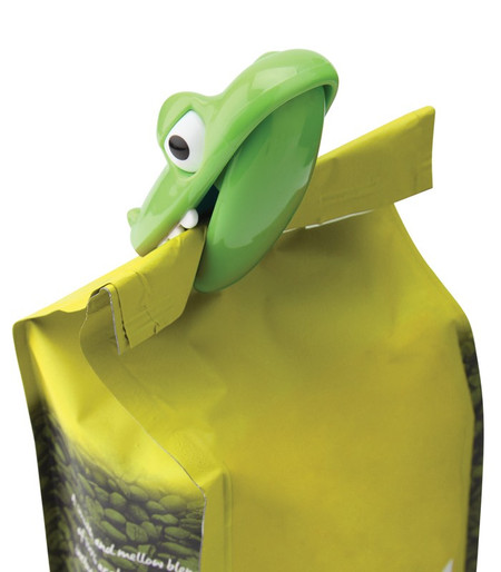 croc bag chip clip, display