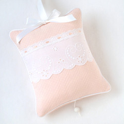 "Musical Pillow in ""Honeycomb"" with 'Lullaby' & 'Sweetheart'"