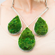 Isabel Englebert + Plant the Future Silver Necklace - Moss Teardrop Trio