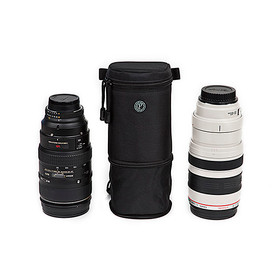 The lens case expands to hold telephoto-lenses up to 400mm.