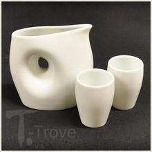 Yururi White Modern Sake Set