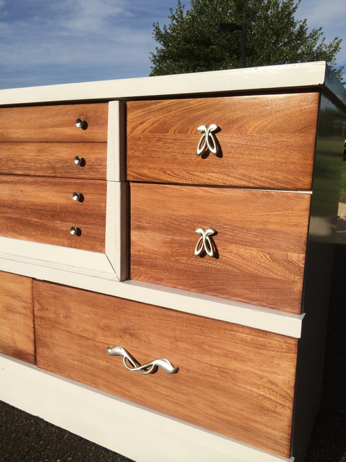 Modern Mahogany Bedroom Furniture: Mid Century Modern White / Natural Mahogany 6 Drawer