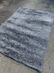 5'7 x 7'10 ikea shag carpet